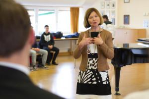 Margit Wild erklärt die Funktionsweise des Bayerischen Landtags