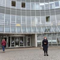 Wild besuchte das Uniklinikum Regensburg, um sich über die aktuelle Lage zu informieren