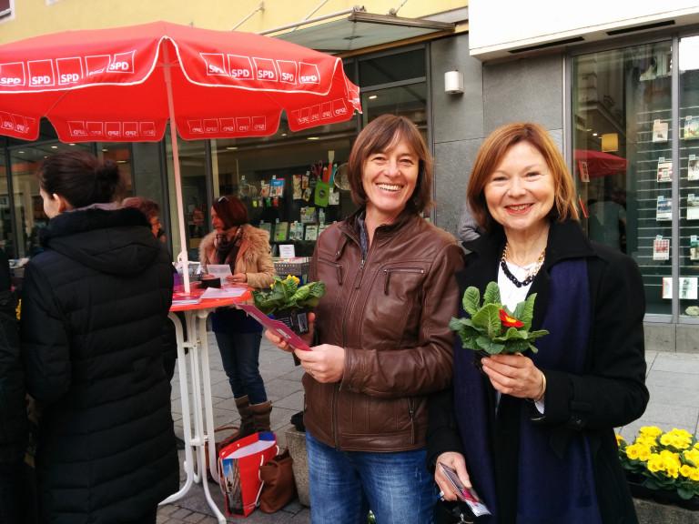 Margit Wild zusammen mit Stadträtin Dagmar Kick